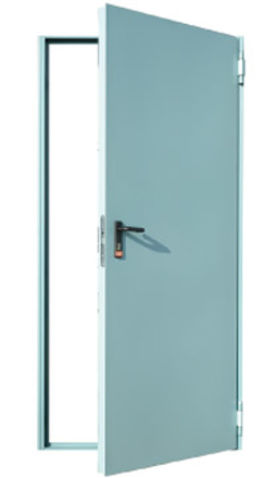 plechové ocelové dveře s rohovou zárubní